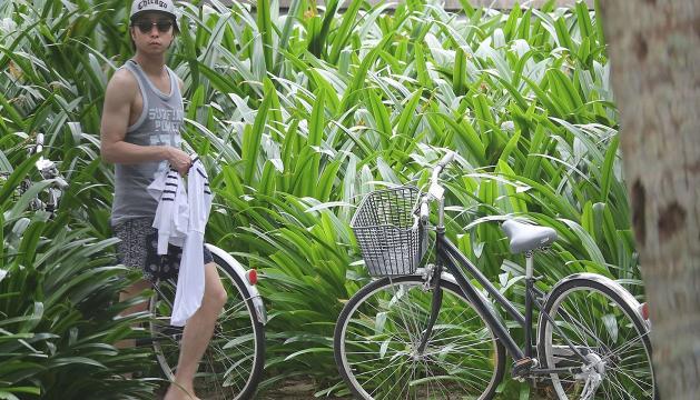 櫻井翔ベトナム私服の写真
